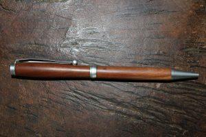 6.2.16 - Drehkugelschreiber- duenn -Pflaume